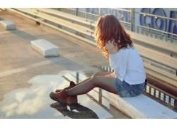 黑发,户外的女女性,女人,美女,城市的,牛仔短裤,在户外,人物64884