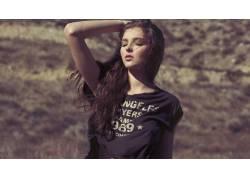 黑发,印花衬衫,闭着眼睛,鸡皮疙瘩,短上衣,长发,女性,女人,美女,