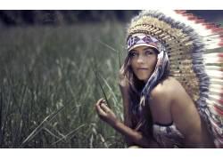 黑发,头饰,性质,女性,女人,美女,长发,户外的女看着观众,羽毛,领