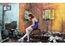 黑发,女性,女人,美女,废墟,人物28164