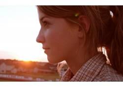 黑发,女性,女人,美女,日落,户外的女轮廓,面对,微笑,格子衬衫1073