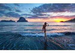 女性,女人,美女,海,日落,海滩,比基尼泳装,波浪,户外的女人物3828图片