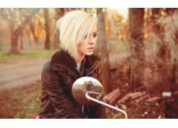 Alysha Nett,人物,金发,女性,女人,美女,摩托车,皮夹克,树木,车辆