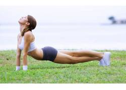锻炼,女性,女人,美女,健身人物,草,鞋,河,体育,运动文胸,瑜伽,黑