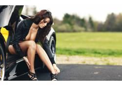 分裂,腿,高跟鞋,胸部,汽车的女性,女人,美女,黑发,卷发39768