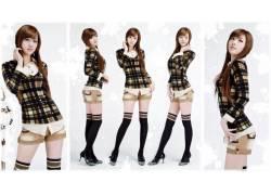 黄密熙,亚洲,女性,女人,美女,格子花呢,朝鲜的,大学,人物,短裤,膝