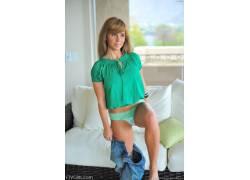 金发,FTVGirls,牛仔裤,棕色的眼睛,衩,脱衣,绿色的内裤,女性,女人
