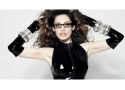 凯莉布鲁克,黑眼睛,黑发,卷发,眼镜,胳膊,手套,腋下,PVC,戴眼镜的