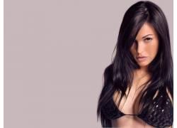女性,女人,美女,比基尼泳装,黑发,简单的背景,看着观众,胸罩,长发
