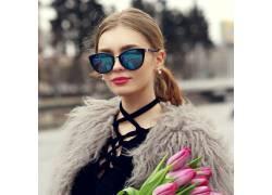 欧美眼镜美女写真