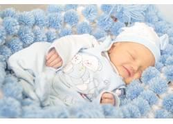 睡觉微笑的宝宝