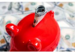 红色色小猪存钱罐图片