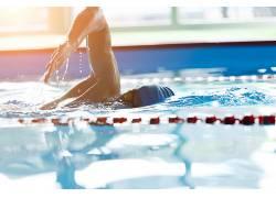 游泳池运动健身