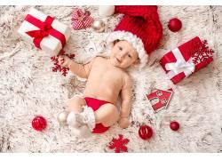 彩球红色挂件圣诞儿童礼物堆积